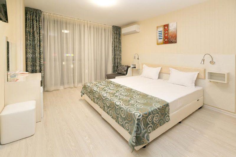 Двойна стандартна стая в Хотел Capri Пловдив