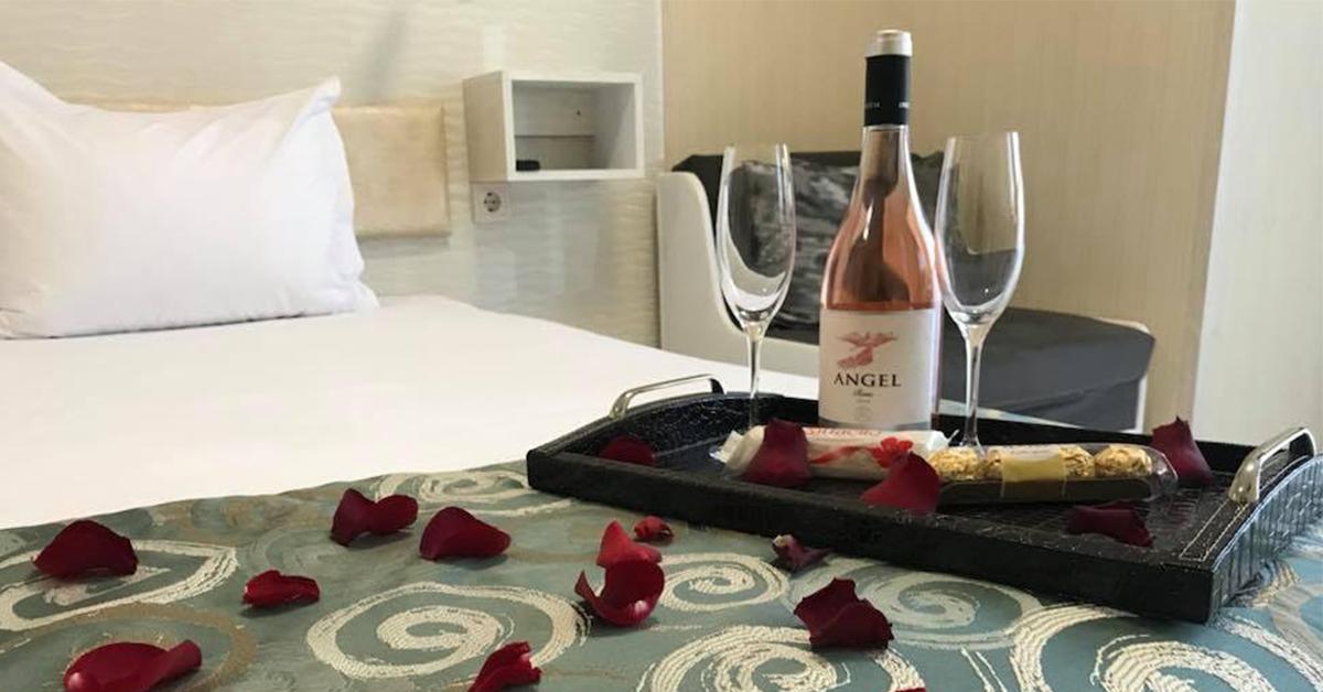 Романтична оферта за двама в Хотел Габи и Хотел Капри Пловдив за 14 Февруари и 8 Март 2019г.